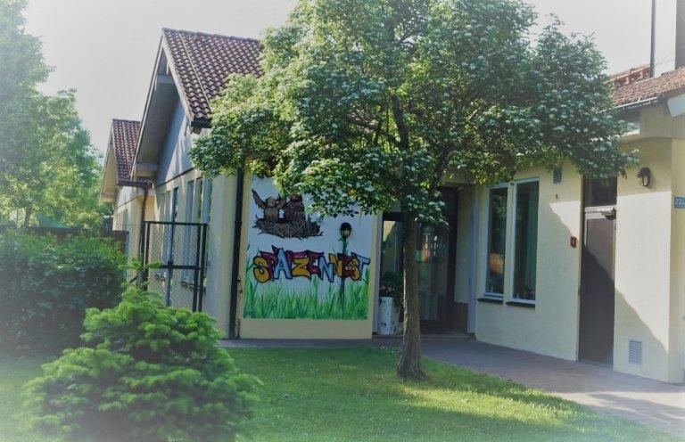 Grossansicht in neuem Fenster: Eingangsbereich Kindertagesstätte Spatzennest